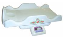 Весы медицинские для взвешивания новорожденных детей.
